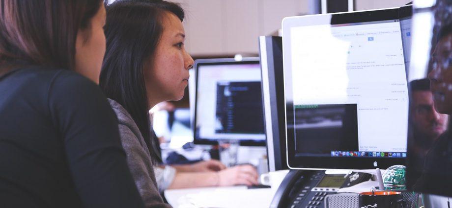 Czas pracy w firmie – kontrola pracowników